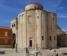vign_220px-church_of_st._donatus_in_zadar_by_pudelek_